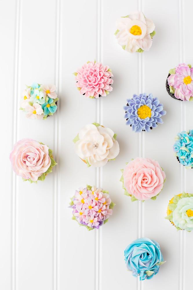 Springing into Flower Cupcakes