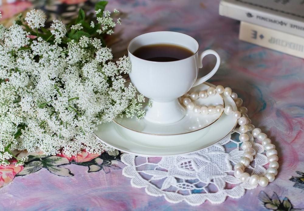 Flowers, Pearls and Tea
